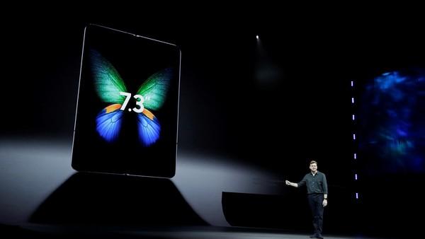 """Las pantallas flexibles avanzan y amenazan con """"borrar"""" a las notebooks y tabletas"""