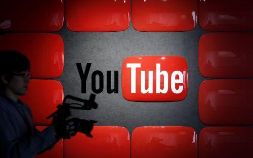 """Retiran anuncios de YouTube por videos con niños que alimentan """"una pedofilia suave"""""""