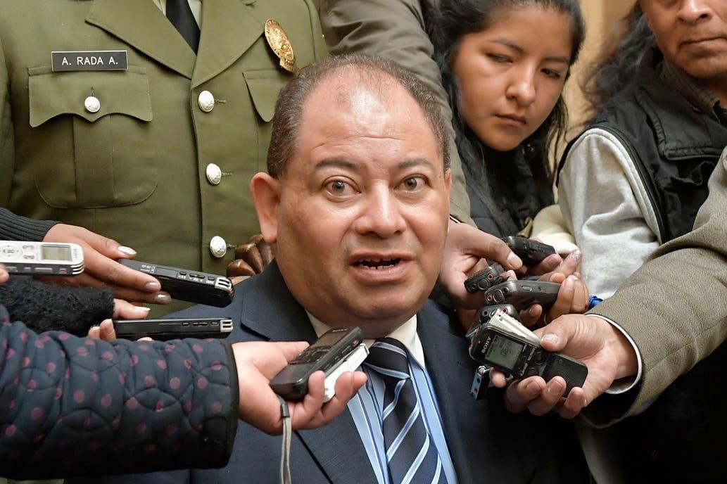Quién es Carlos Romero, el ministro de Evo Morales refugiado en la embajada argentina