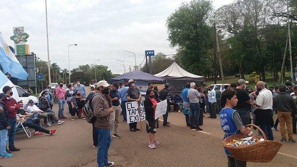 bronca-en-puerto-iguazu:-hoteleros-y-comerciantes-piden-que-abran-la-frontera-para-el-turismo-internacional
