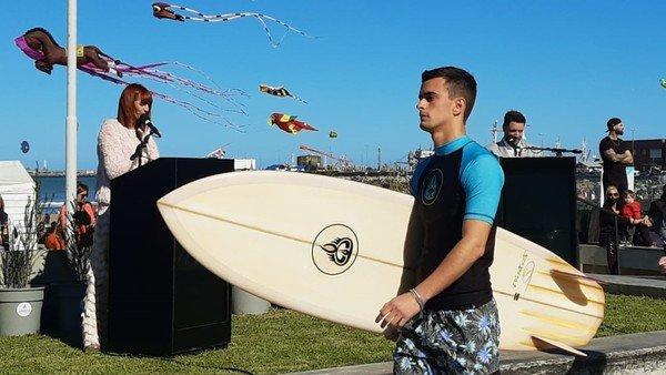 un-desfile-de-moda-solidario-en-playa-grande-vistio-la-previa-de-la-temporada-de-verano